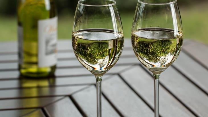 ソムリエおすすめの白ワインをご紹介!〜白ワインの選び方から飲み方まで