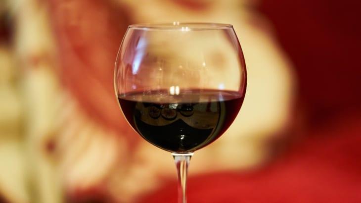 ワインには多く含まれているポリフェノールとその効能について