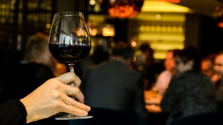ハウスワインとは?グラスワインやテーブルワインとの違いについて