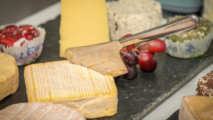 独特な香りをもつウォッシュタイプチーズ「タレッジョ」と合うワイン